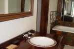 ss_accom_bathroom5